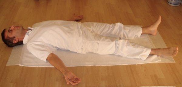 Йога-нидра работает как аутотренинг