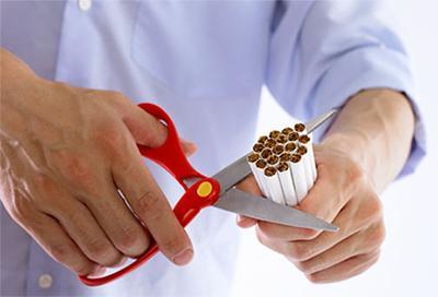 АТ  оказался лучше гипноза, при лечения от никотиновой зависимости.